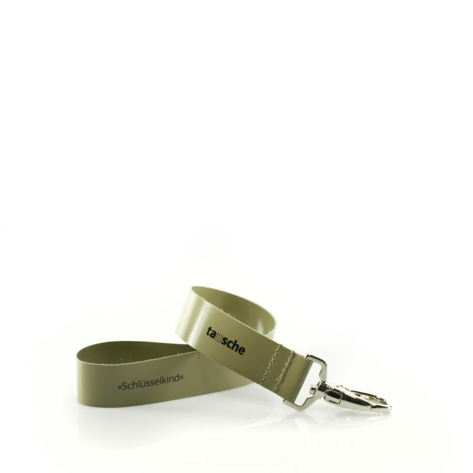 Schlüsselkind oliv