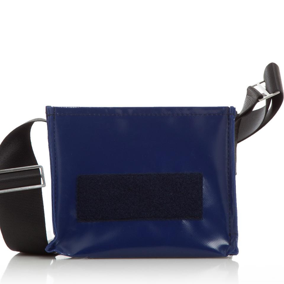 Nachtschwärmerin mitternachtsblau