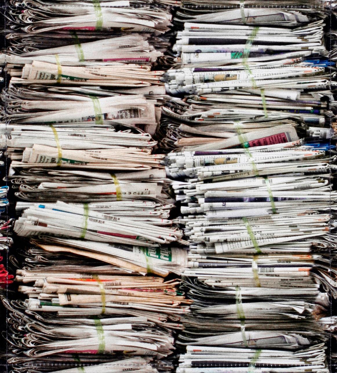 Zeitungsstapel (mittel)